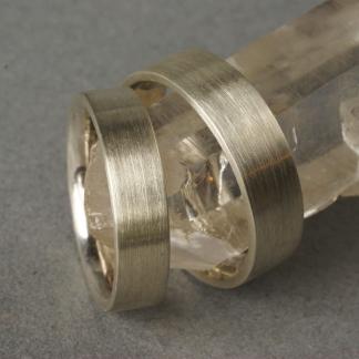 Schlichte klassiche mattierte Eheringe aus 925/- Silber