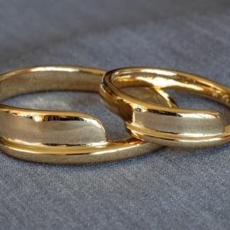 Geschmiedete Eheringe aus 585/-Gelbgold