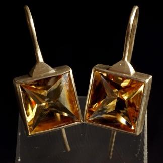 Ohrhänger aus 925/- Silber mit viereckigen Zitrin in gelb/organe