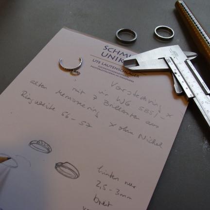 Entwurf einer Umarbeitung für einen Vorsteckring aus 585/-Weißgold mit vorhandenen Brillanten