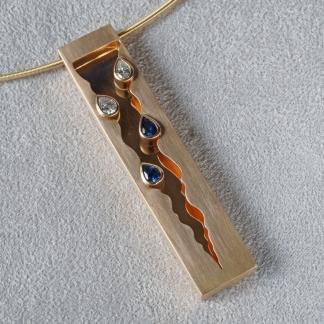 Anhänger 750/- Gold und Edelsteinen, Tropfen Diamanten und Saphire vom  Kunden
